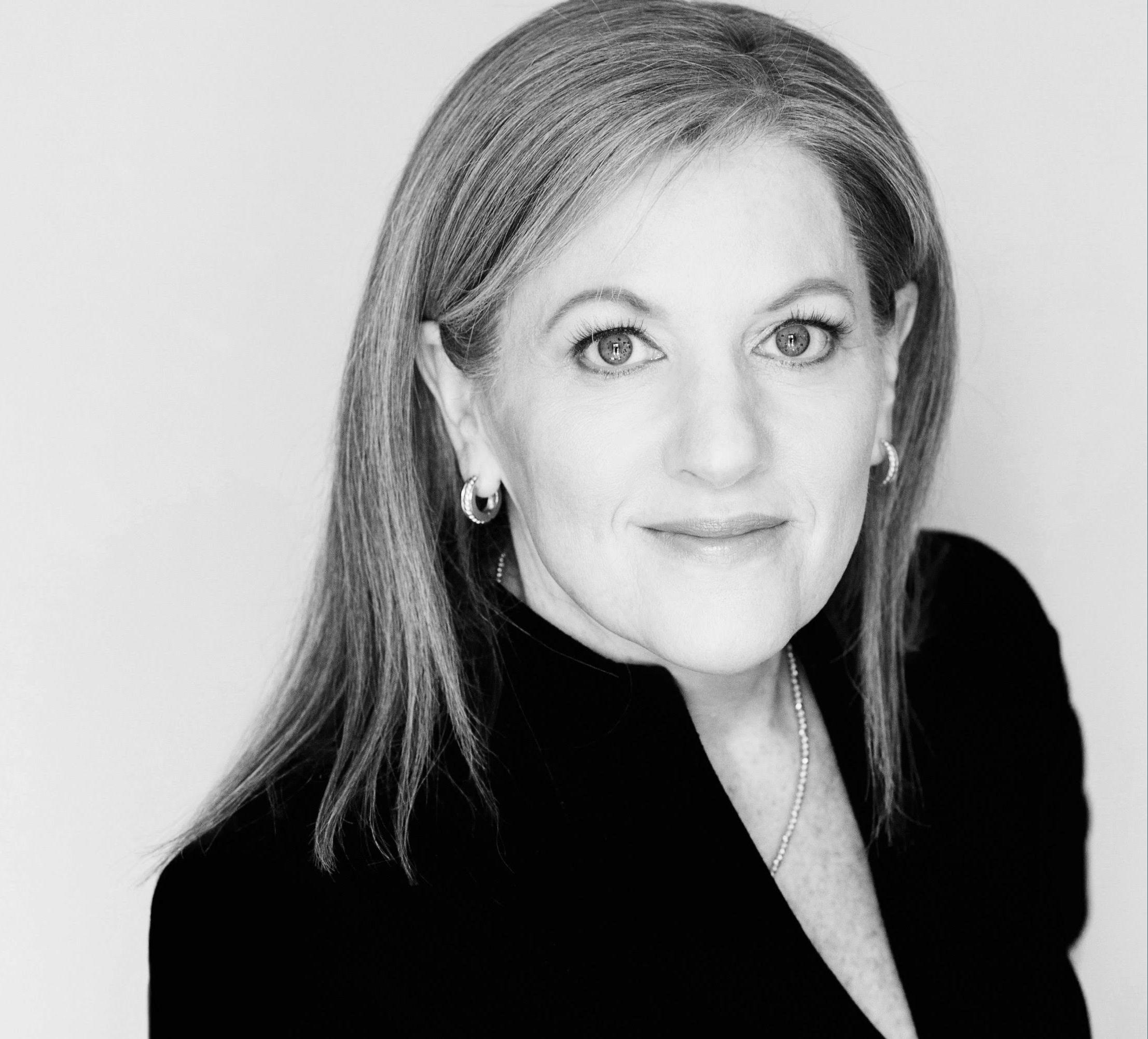 Dr. Silvia Schneider Fox